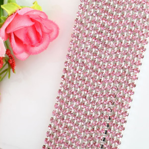 Стазы на нитях D=2мм Светло-розовый 10см #4968